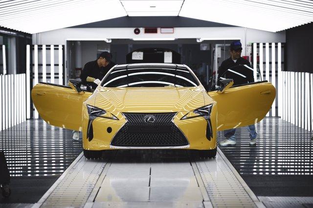 Producción del Lexus LC en Japón