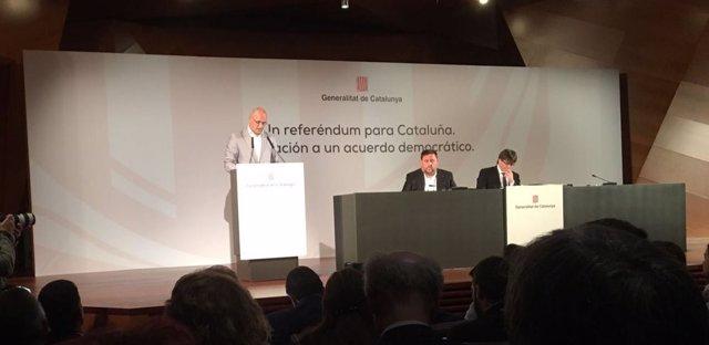El conseller Raül Romeva en la conferencia del Govern en Madrid