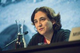 """Colau ante la conferencia de Puigdemont: """"Desde Barcelona siempre defenderemos el diálogo"""""""
