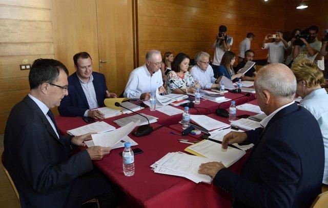 Ballesta preside la reunión con su Equipo de Gobierno