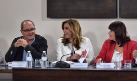 Susana Díaz aborda con los secretarios provinciales la convocatoria del congreso regional en julio