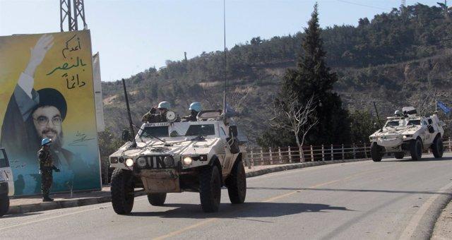 Vehículos blindados de la FINUL en Líbano
