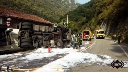 Camión accidentado en Asturias