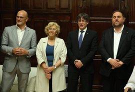 """Martínez-Almeida ve una """"vergüenza"""" la foto de Puigdemont con Carmena, a quien acusa de ser """"cómplice de nacionalistas"""""""