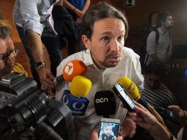 """Pablo Iglesias avala que Puigdemont se explique en Madrid y pide un referéndum """"legal y pactado"""""""