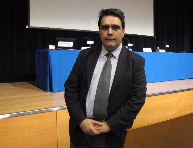 El profesor de la Universidad San Jorge, Víctor Manuel Pérez