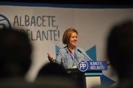 """Cospedal compara la actitud de Puigdemont con """"un intento de golpe de Estado"""" y dice que impedirán el referéndum"""