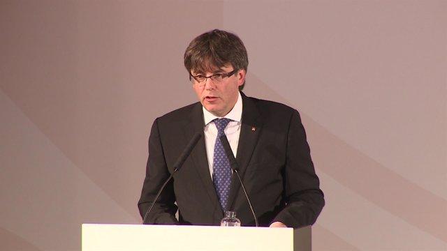 Puigdemont pide sentido de Estado para negociar referéndum