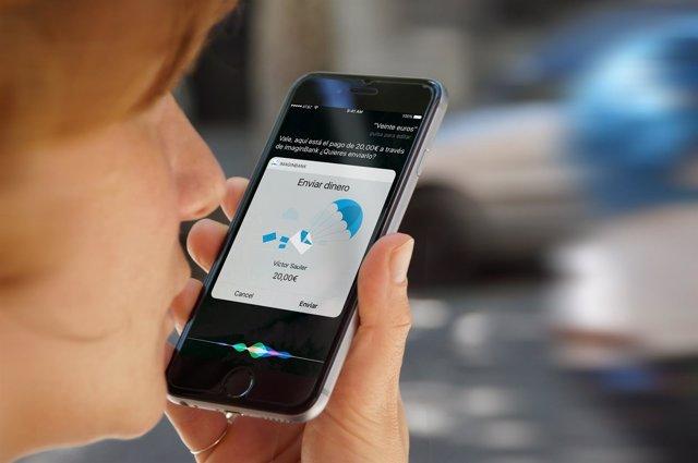 Servicio de CaixaBank para enviar dinero a través de Siri de iPhone