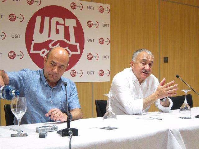 Daniel Alastuey y Pepe Álvarez (UGT), este martes en rueda de prensa en Zaragoza