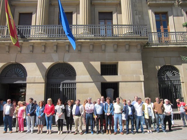 Concentración en Pamplona en repulsa del atentado de Manchester