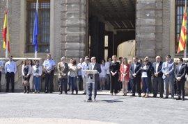 """El Gobierno de Aragón guarda un minuto de silencio y transmite su """"compromiso solidario"""" con la convivencia"""
