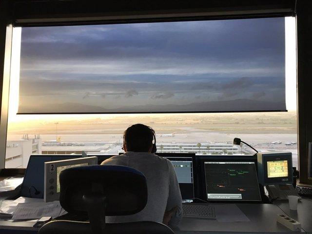 Controlador de ENAIRE en torre de Palma