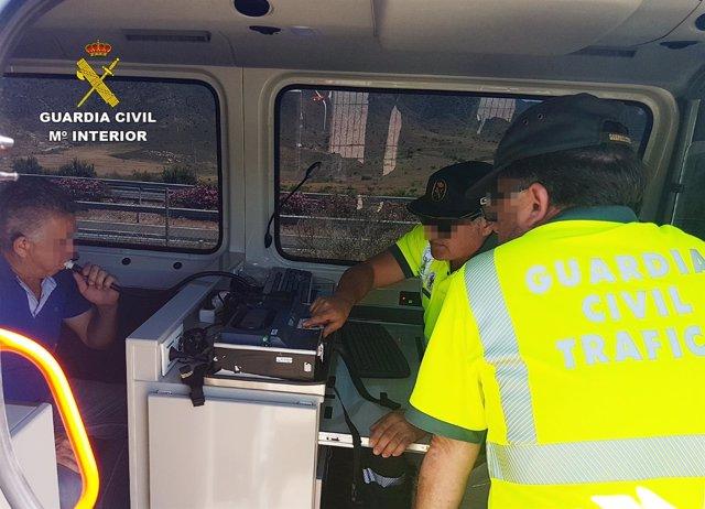 Guardia Civil detiene a un camionero que sextuplicaba la tasa máxima de alcohol