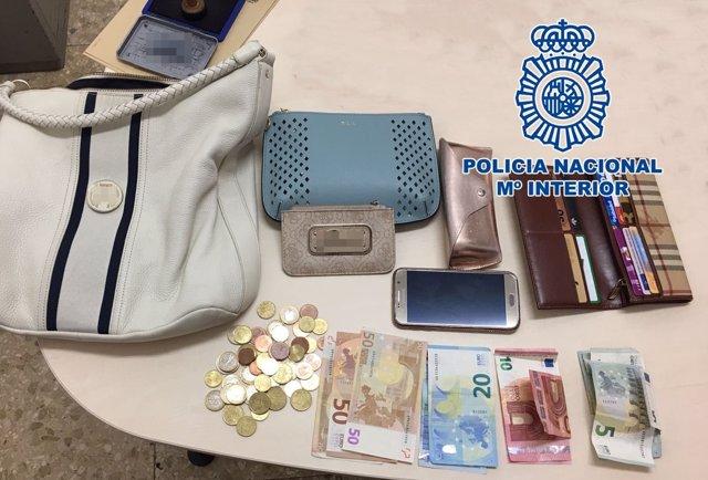"""Nota De Prensa """"La Policía Nacional Detiene A Un Hombre Por Sustraer Un Bolso De"""