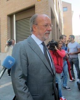 El exalcalde de Valladolid, tras declarar en el juzgado.