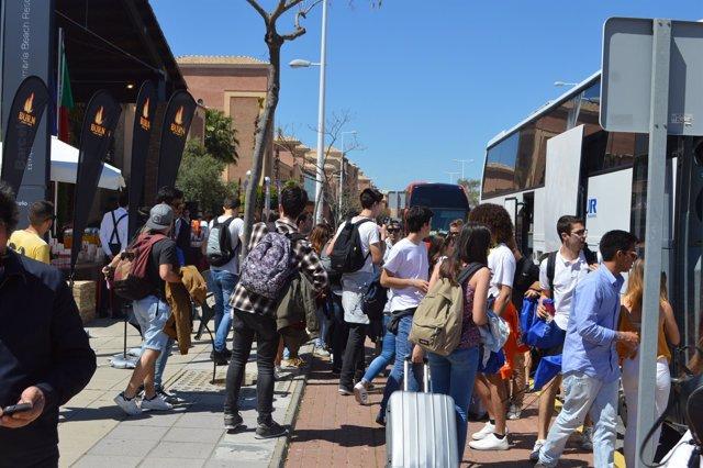 Turistas portugueses en Huelva.