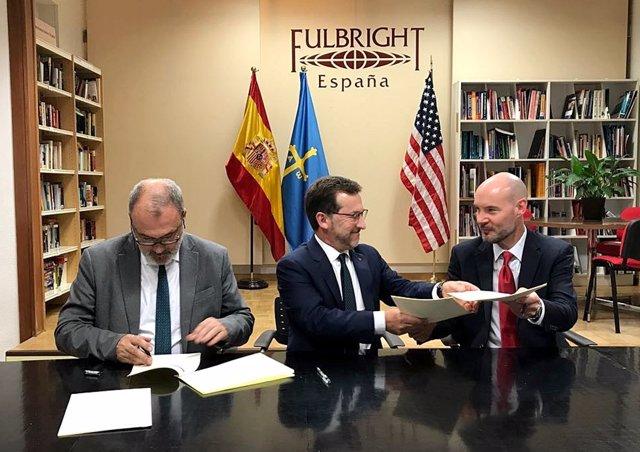 Nota Prensa Y Foto Convenio Comisión Fulbright