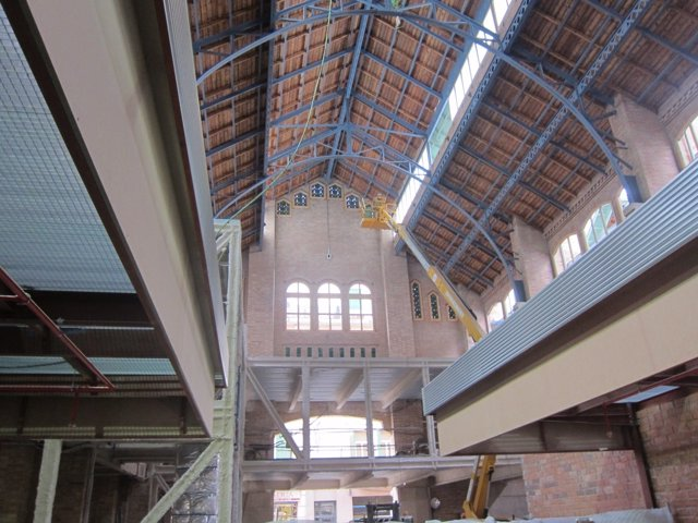 Interior del nuevo mercado de Sants