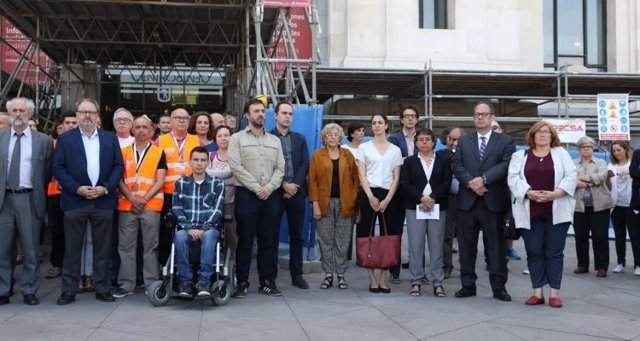 Minuto de silencio en el Ayuntamiento de Madrid por el atentado de Manchester