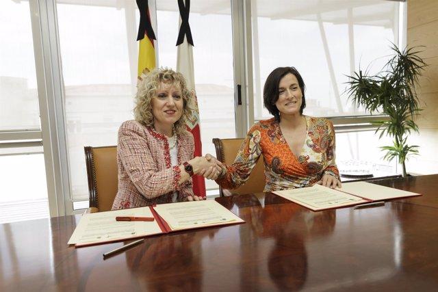 Díaz Tezanos e Igual firman el convenio para la cesión de la tubería