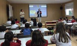 Casi 300 estudiantes de Algeciras conocen el proceso de depuración en 'Agua a con-ciencia'