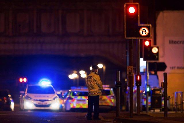Despliegue policial junto al Manchester Arena