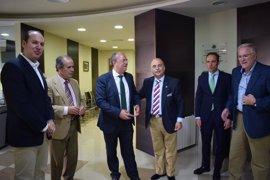 Monago critica el retraso de la Junta de Extremadura para la licitación de la Facultad de Medicina de Badajoz