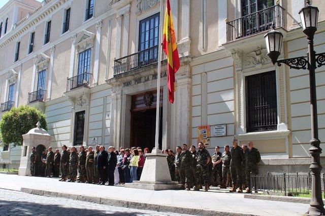 Valladolid: Minuto de silencio en el Palacio Real