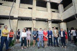 Las instituciones de Granada guardan un minuto de silencio en señal de duelo por el atentado de Mánchester