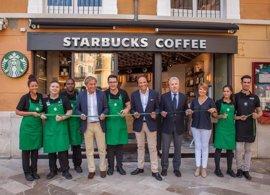 Starbucks abre su primer local en el centro de Palma
