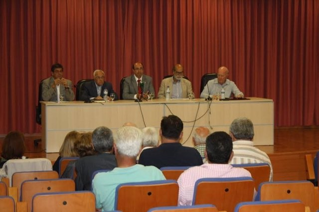 Exdiputados en el Parlamento andaluz Diego Valderas, Matías Conde y Marín Rite.