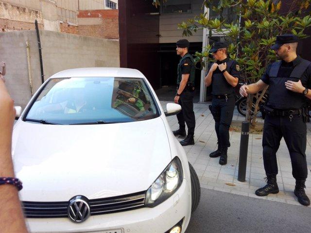 El expte.Del FC Barcelona Sandro Rosell sale detenido de su casa en Barcelona