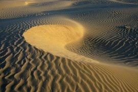 El barco cargado de arena del Sáhara decide no atracar hoy en Palma y permanecerá fondeado en la bahía