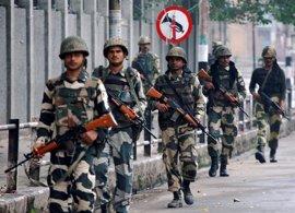 India asegura que ha atacado puestos militares paquistaníes en la frontera de Cachemira