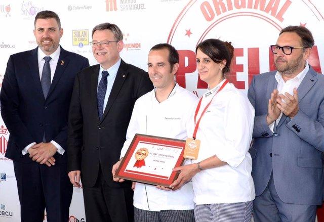 Entrega de premio II Concurso Nacional de Paella de Cullera