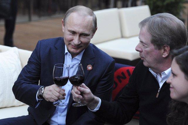 Vladimir Putin con la delegación de Estados Unidos