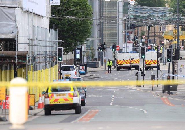 La Policía en la zona del Manchester Arena el día después del atentado