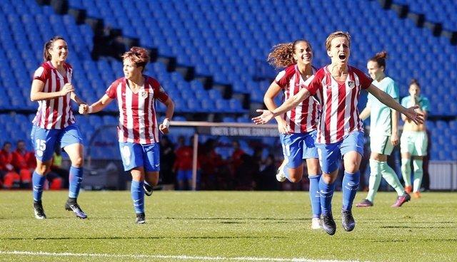 El Atlético de Madrid Femenino se impone al Barcelona y se hace con el liderato