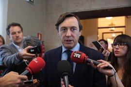 """El PP aconseja a PDeCAT separarse de ERC porque va a """"acabar"""" con ellos como ya """"machacó"""" al PSC y hará con Podemos"""