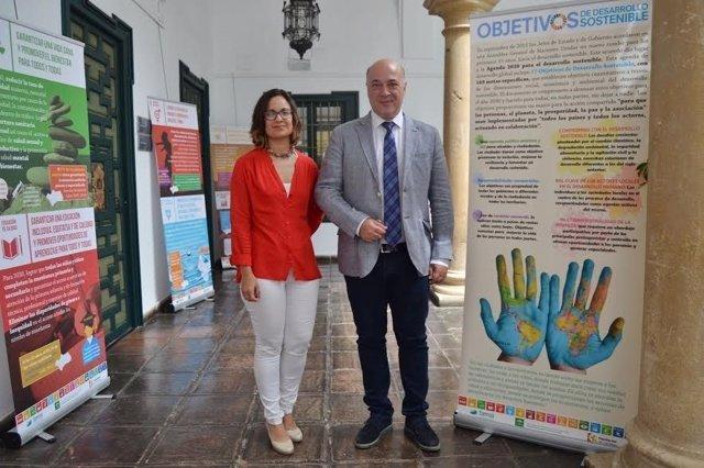 Antonio Ruiz y Ana Guijarro visitan la muestra