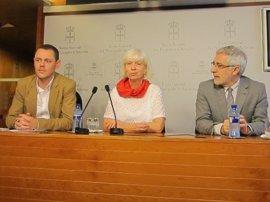 IU pide el respaldo de los grupos para aprobar una ley sobre memoria histórica