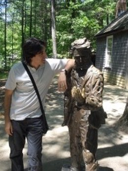 El periodista Toni Montesinos, autor de 'Cómo vivir con Thoreau'