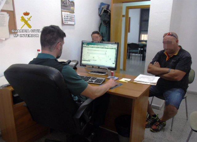 La Guardia Civil Esclarece Medio Centenar De Estafas En La Contratación De Póliz