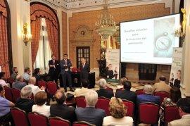 Unicaja Banco celebra en Sevilla sesión de asesoramiento de inversión dentro del II ciclo de encuentros de banca privada