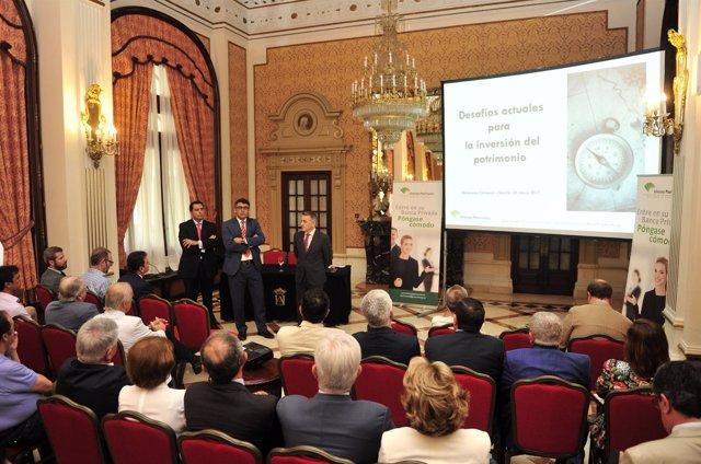 Celebración del ciclo de encuentros de banca privada de Unicaja Banco en Sevilla