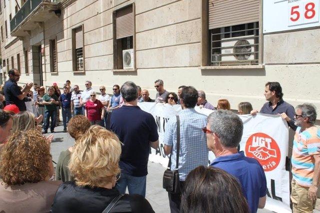 Concentración de repulsa por la quinta muerte en accidente laboral en Almería