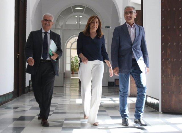 Susana Díaz llega a la reunión de Grupo Socialista con Jiménez Barrios y Vázquez