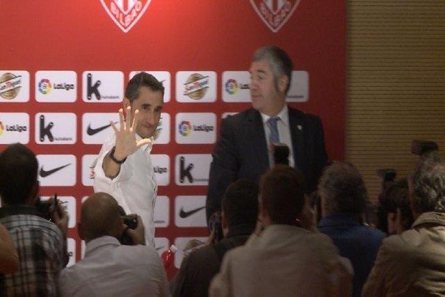 Valverde se despide junto a Josu Urrutia