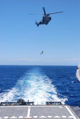 Simulacro del rescate de un submarino turístico en aguas de Mogán